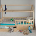 Solid wooden Housebed Deluxe 90×200, with drawers